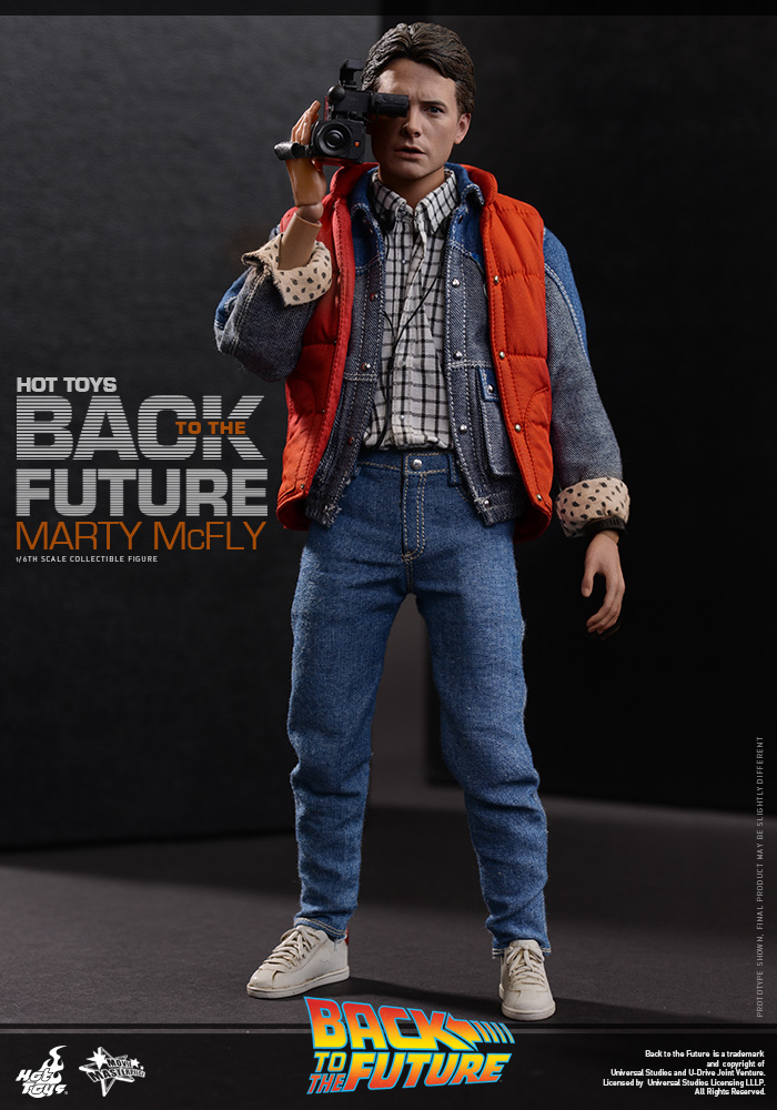 http://www.sideshowcollectors.com/images/Hot%20Toys%20-%20Back%20to%20the%20Future%20-%20Marty%20McFly%20Collectible_PR5.jpg